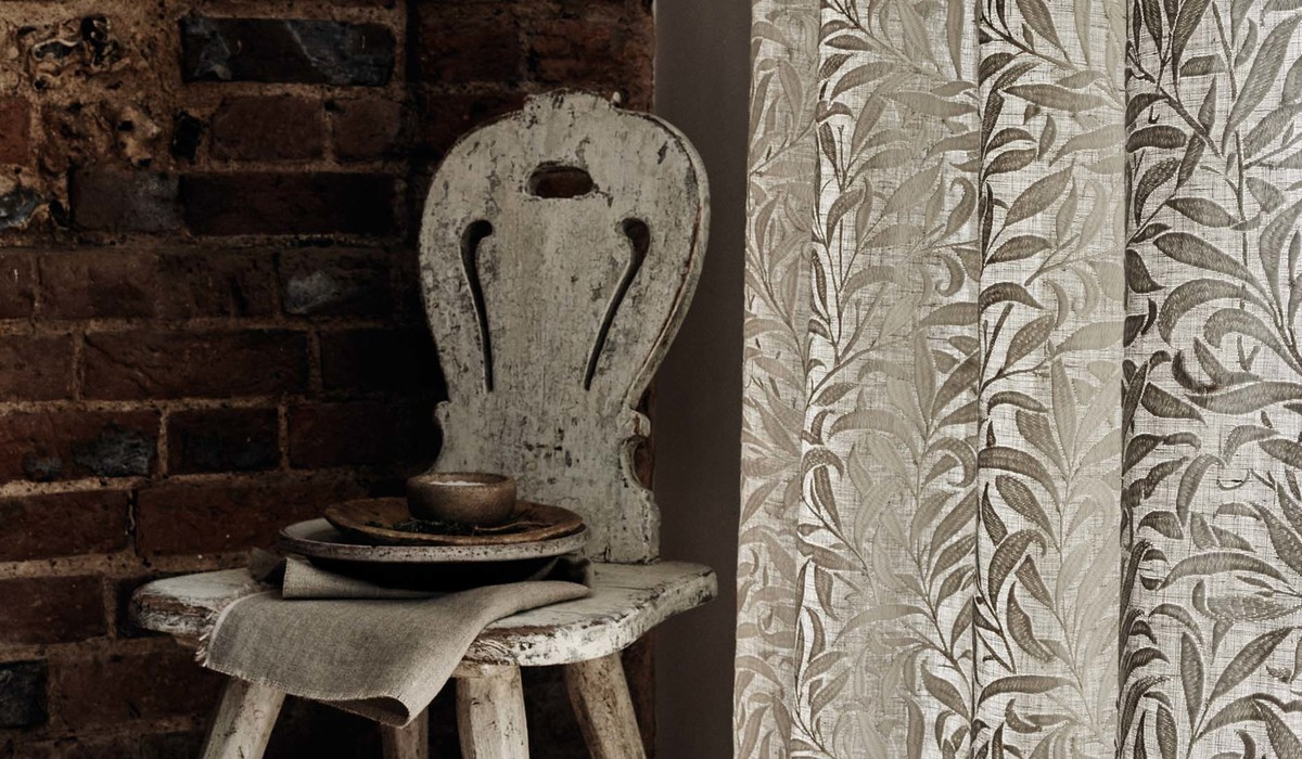 William Morris and Co Pure FB Willow Bough Curtain Detail DPS